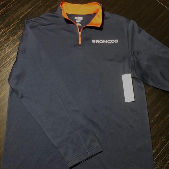 Denver Broncos Men s Sweatshirt Large. NWT. NFL df6ce8618